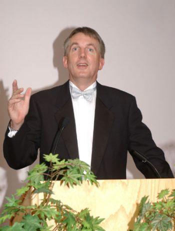 Kevin Jones, Dr